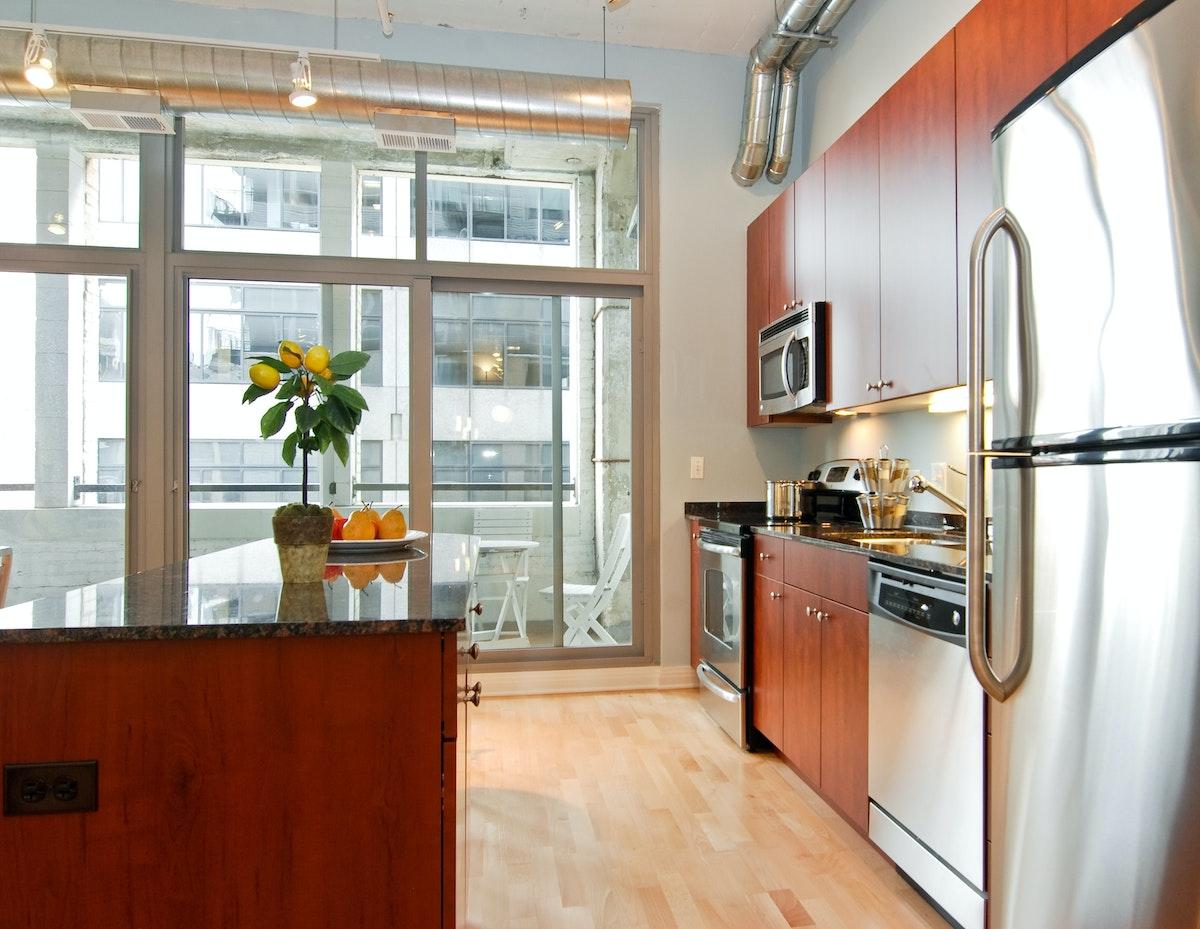 565 W Quincy Unit 607 Kitchen2