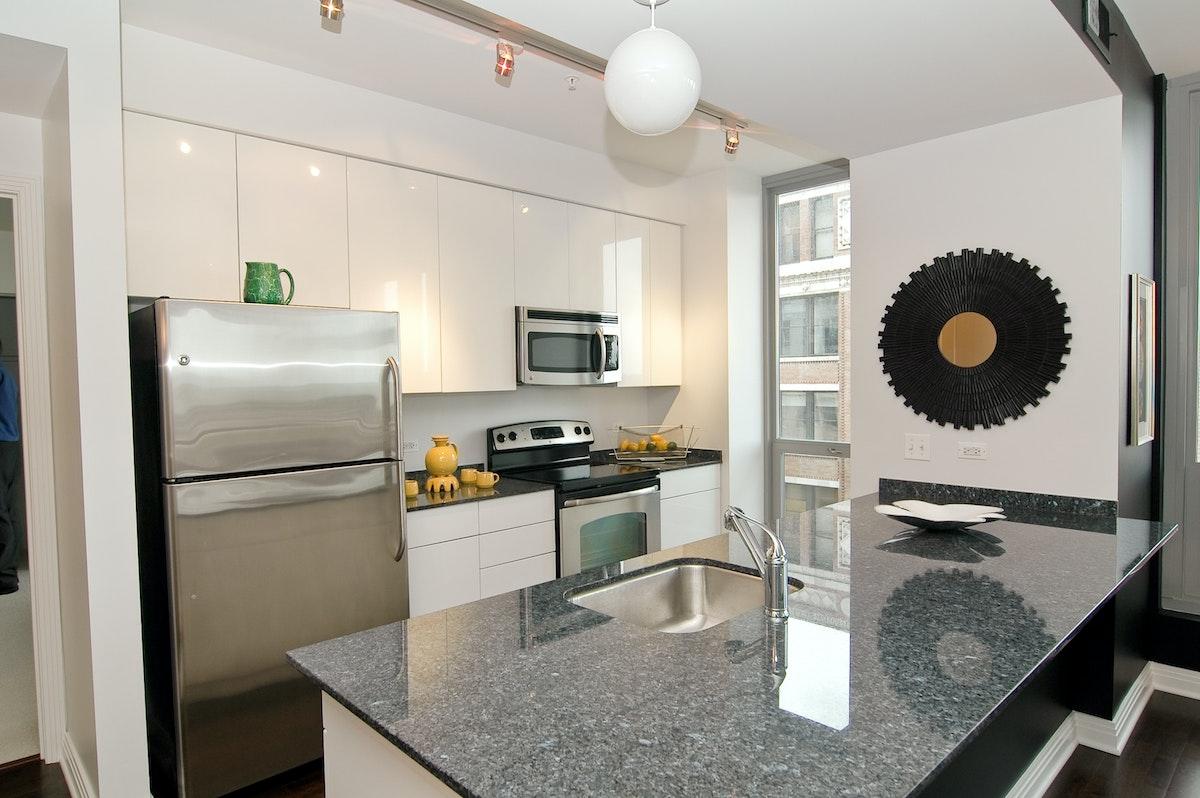 565 W Quincy Unit 806 Kitchen