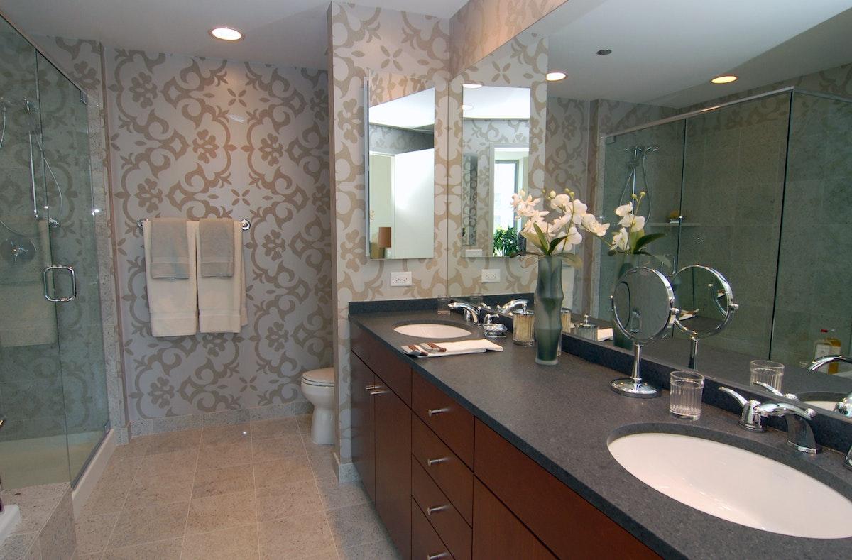 600 N Lake Shore Dr 2512 Master Bathroom